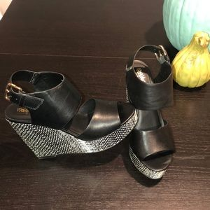 Like-New Black/White Leather Wedge Heels